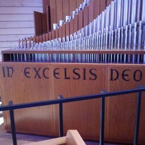 Cheshire Lutheran Church Schlicker organ